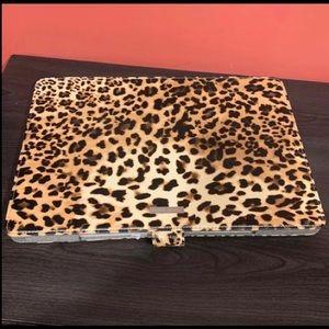 Accessories - Apple MacBook Pro leopard case